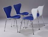 Arne Jacobsen. Four dining chairs, wool, Fritz Hansen (4)