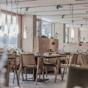 Vara 4103915 3 tage im sportlichen designhotel for Designhotel walliserhof