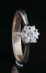 14kt diamond cluster ring approx. 0.30ct